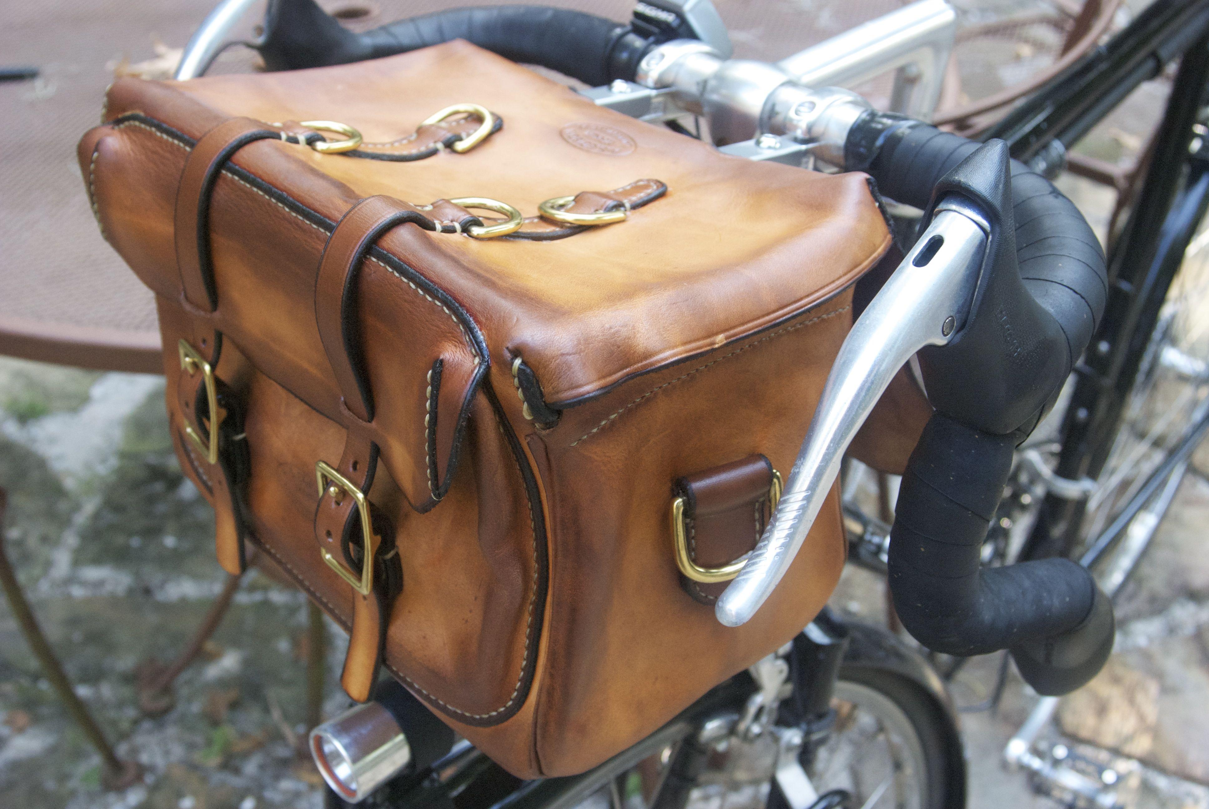 bike touring style handlebar bag